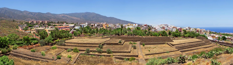 Pirámides en Guimar, Tenerife fotos de archivo