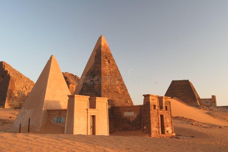 Pirámides famosas de Meroe fotos de archivo libres de regalías