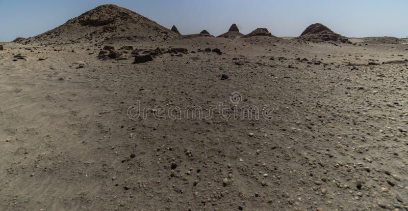Pirámides gravemente preservadas de Karima foto de archivo libre de regalías
