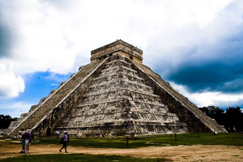 Pirâmide de Chichen Itza, México foto de stock