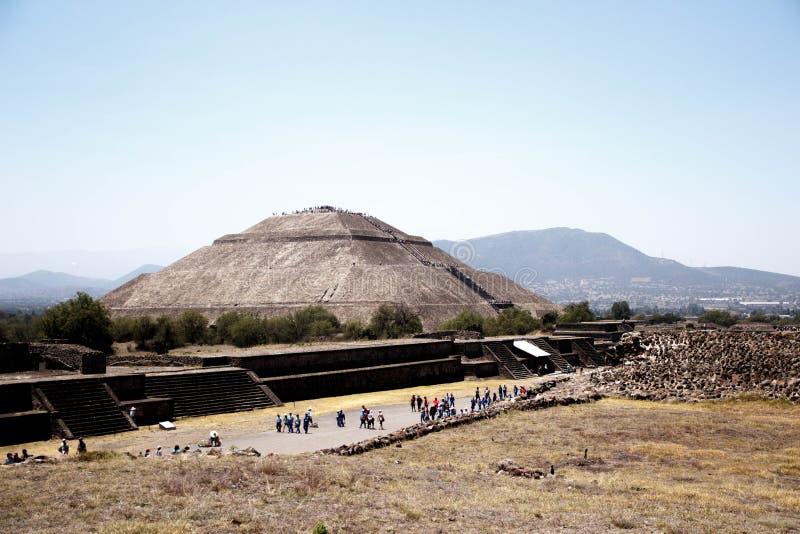 Pirâmide de Teotihuacan Sun, México - em segundo o maior no mundo novo após a grande pirâmide de Cholula fotos de stock royalty free