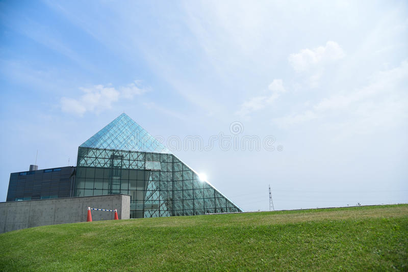 Pirâmide de vidro fotos de stock royalty free