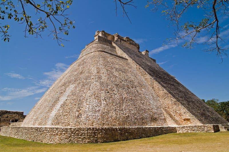 Pirâmide do mágico, Uxmal fotos de stock