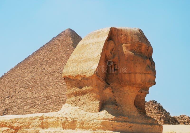 Pirâmide e Sphinx fotografia de stock