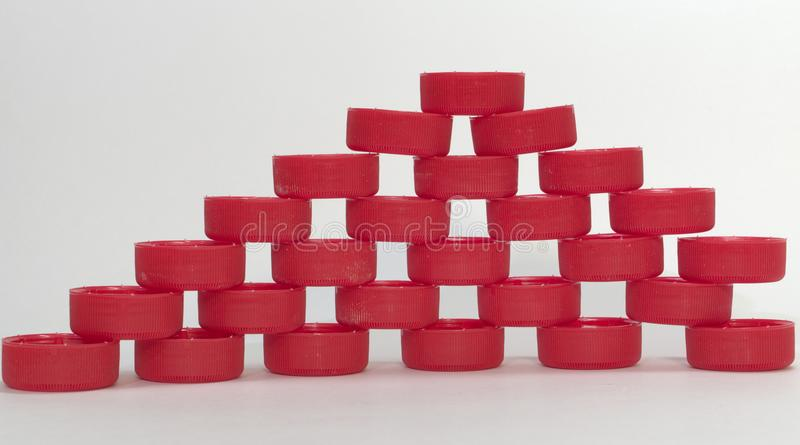 Pirâmide lisa, completa dos furos entre os elementos compostos feito foto de stock royalty free