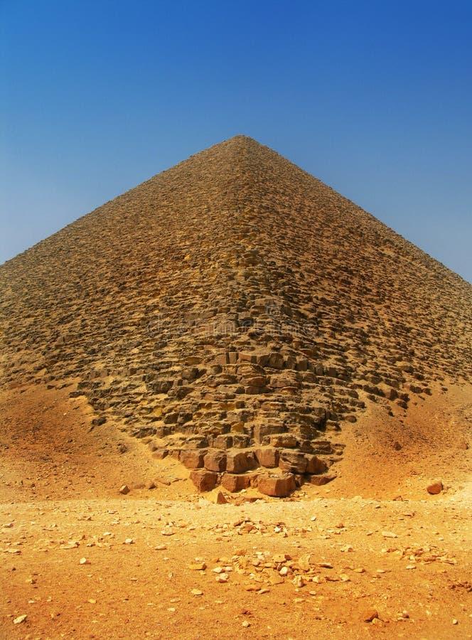 Pirâmide vermelha de Sneferu em Dahshur, o Cairo, Egipto foto de stock royalty free