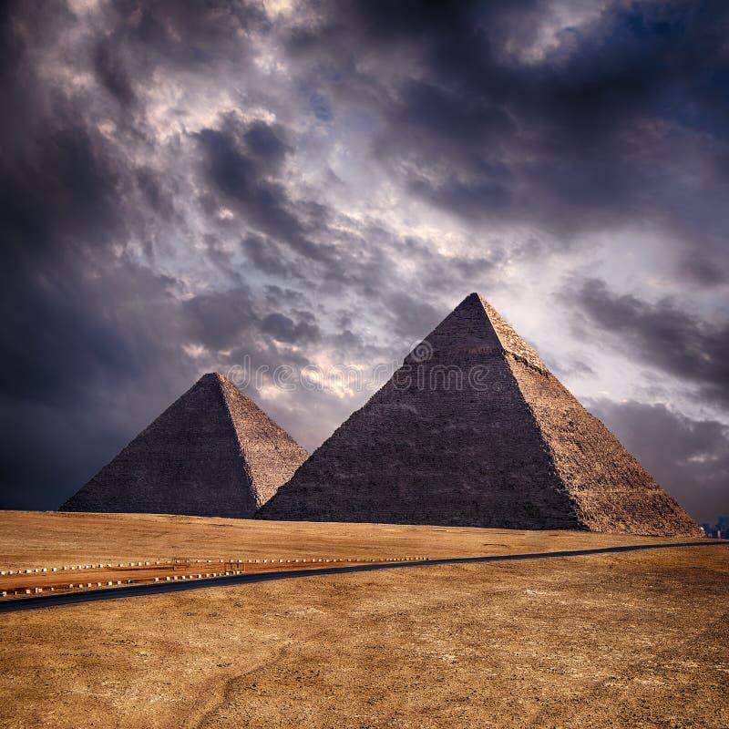 Pirâmides de Giza no Cairo Egito imagens de stock