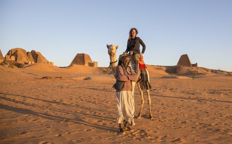 Pirâmides de Meroe em um deserto em Sudão remoto fotografia de stock royalty free