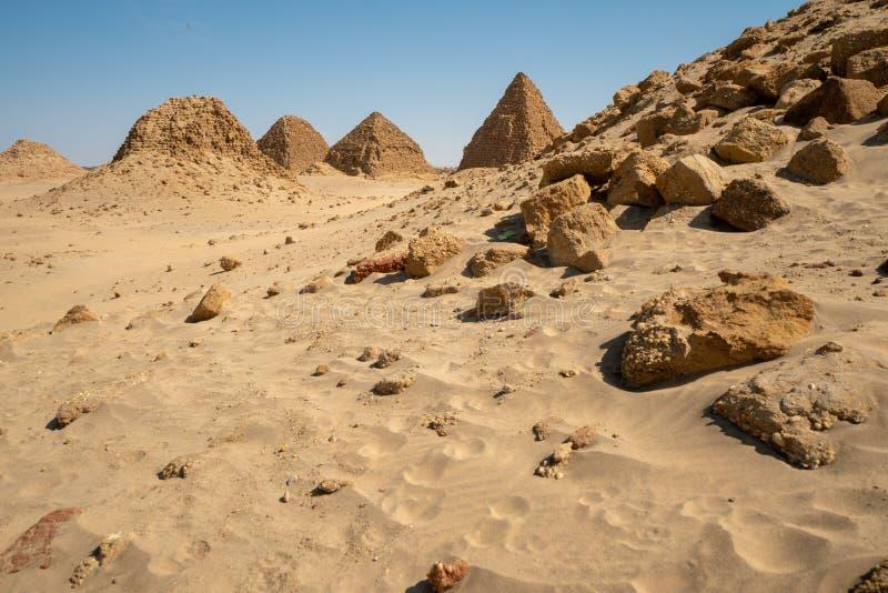 Pirâmides de Nubian no Sudão - o Nuri fotografia de stock royalty free