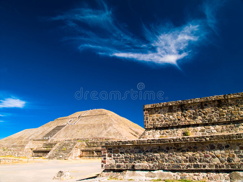 Pirâmides de Teotihuacan fotografia de stock royalty free