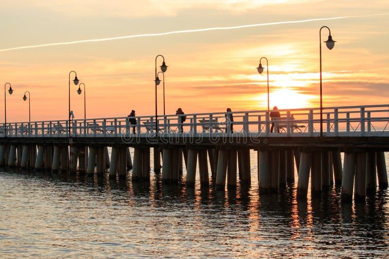 Pir brygga vid havet i Gdynia royaltyfri fotografi