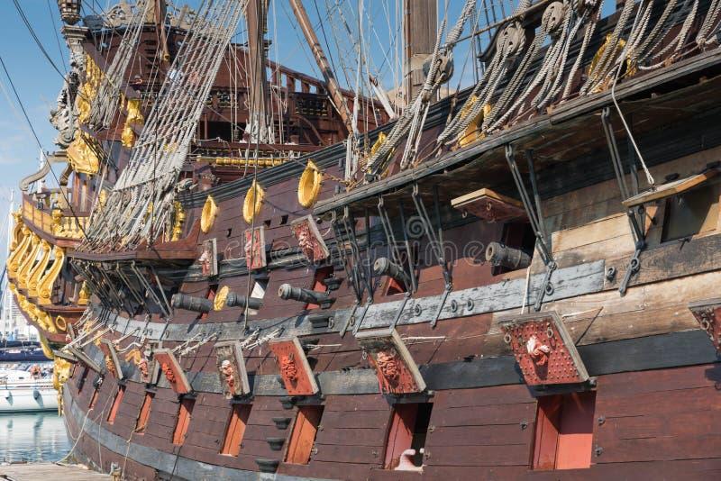 Piraatschip, Genua, Italië stock foto's