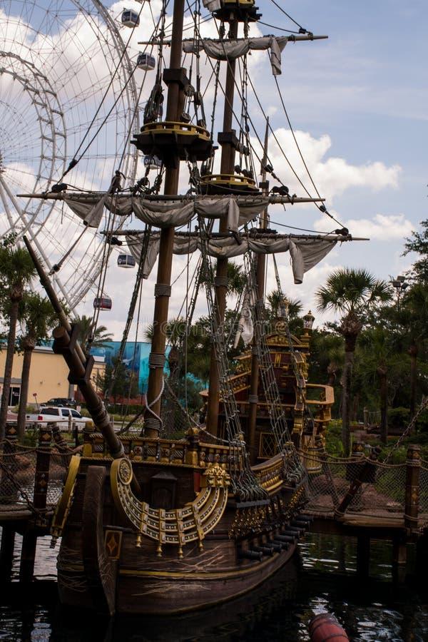 Piraatschip in Orlando, Florida stock afbeelding