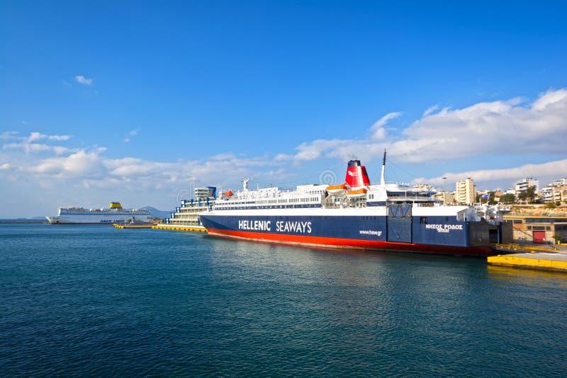 Piraeus port royaltyfri foto