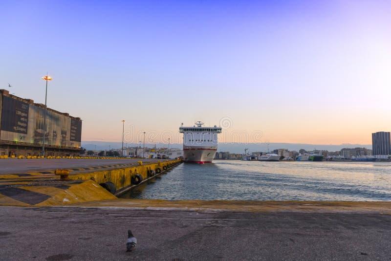 Piraeus port royaltyfria bilder