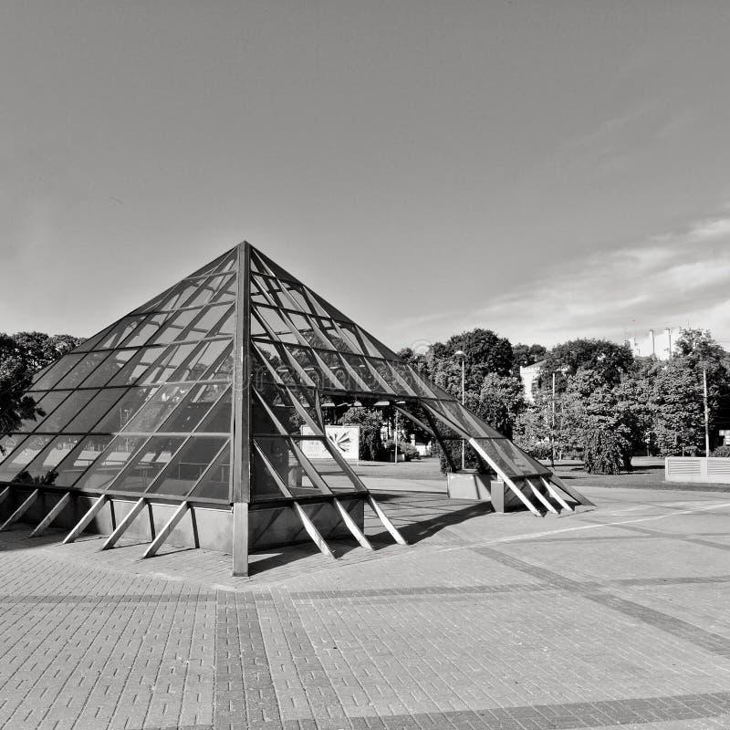 Piramid de vidro foto de stock