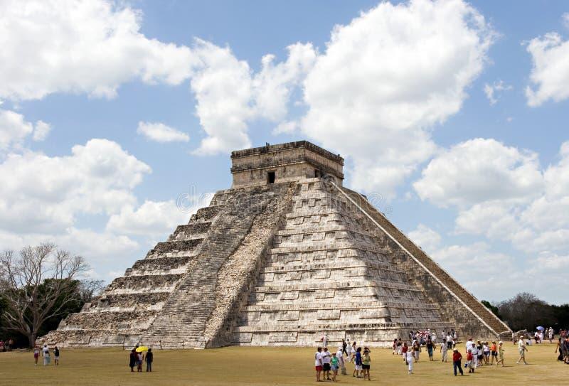 Piramide chez Chichen Itza images libres de droits