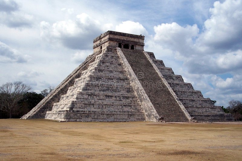 Piramide in chichen-Itza, Mexico royalty-vrije stock afbeeldingen