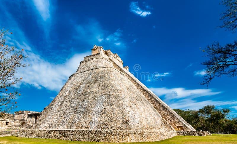 Piramide del mago a Uxmal nel Messico fotografia stock