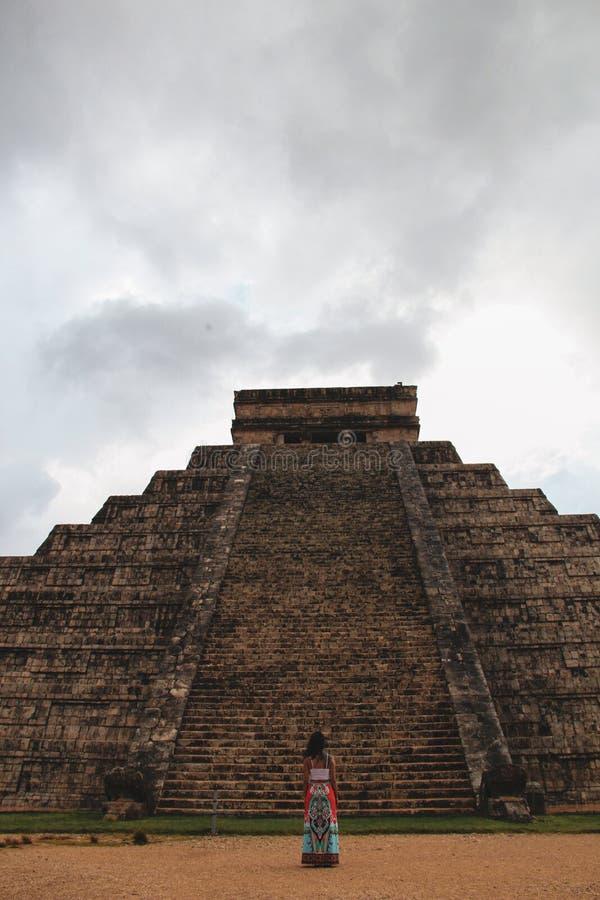 Piramide di Kukulkan in città antica di Chichen Itza, Yucatan, Messico immagini stock