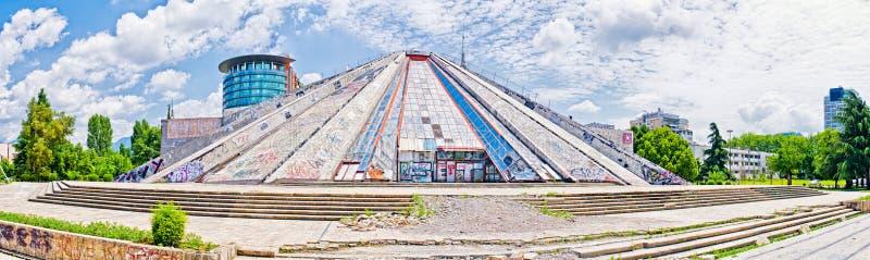 Piramide di Tirana, Albania fotografie stock libere da diritti