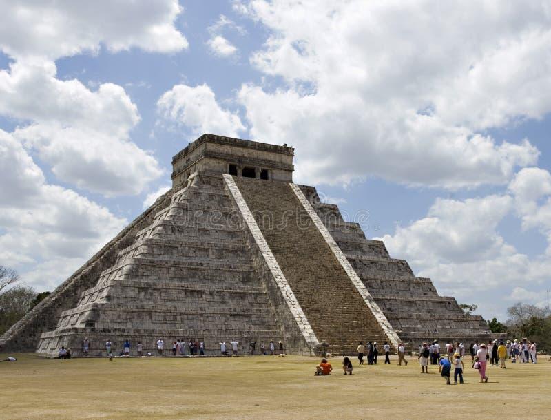 Piramide maya antiguo. Pasos de progresión fotografía de archivo