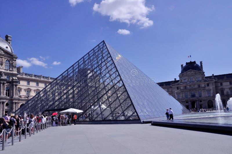 Piramide parigina fotografia stock