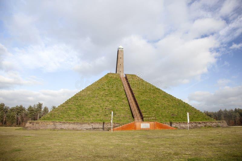Piramide van Austerlitz op Utrechtse Heuvelrug stock afbeelding