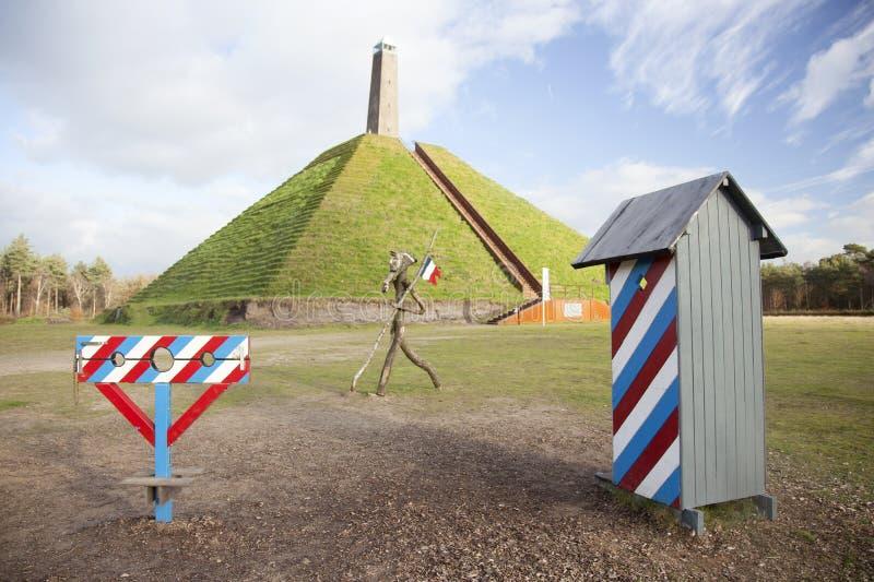 Piramide van Austerlitz op Utrechtse Heuvelrug stock foto