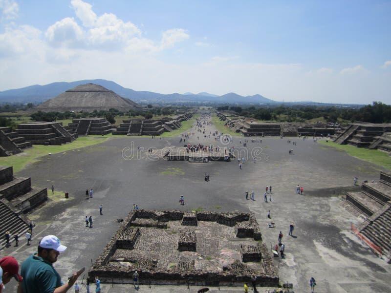 Piramide van de Maan en van de zon, Teotihuacan stock afbeeldingen