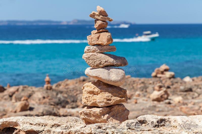 Piramide van de stenen stock afbeelding