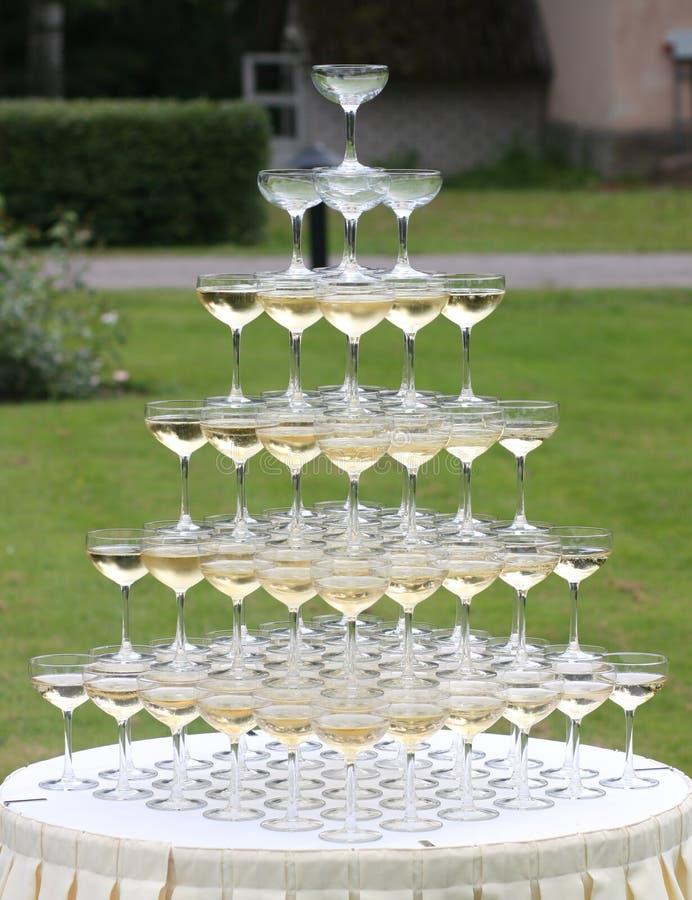 Piramide van glazen royalty-vrije stock afbeeldingen