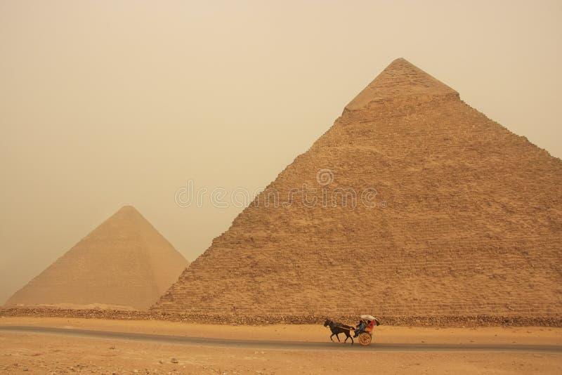 Piramide van Khafre in een zandstorm, Kaïro royalty-vrije stock fotografie