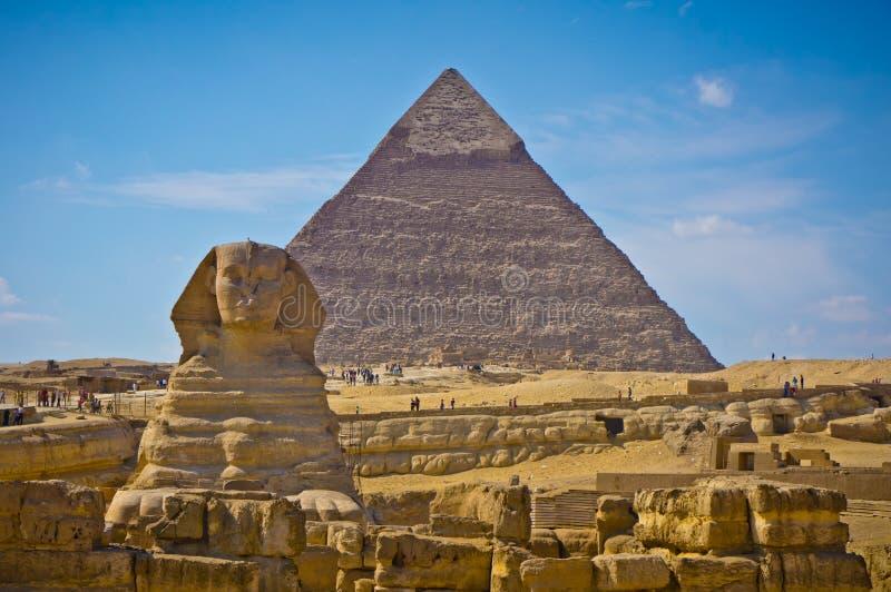 Piramide van Khafre en Grote Sfinx in Giza, Egypte royalty-vrije stock afbeeldingen