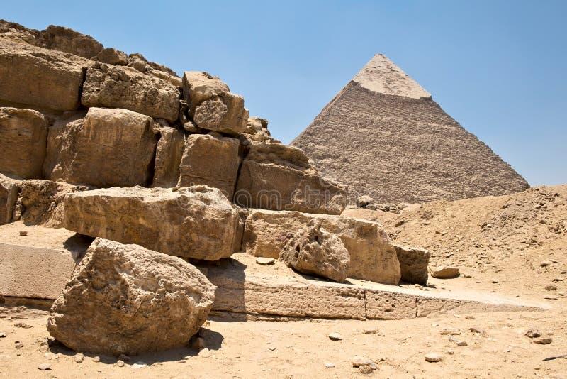 Piramide van Khafre en ruïnes royalty-vrije stock foto's