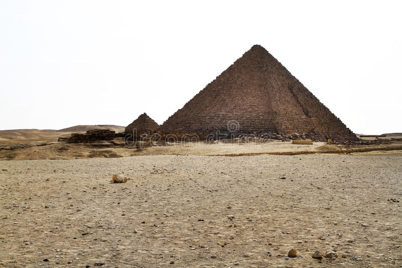 Piramide van Menkaure in Giza - Egypte stock foto