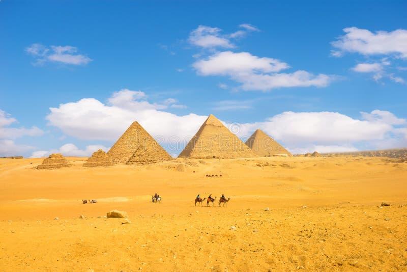 Piramides in Giza royalty-vrije stock fotografie