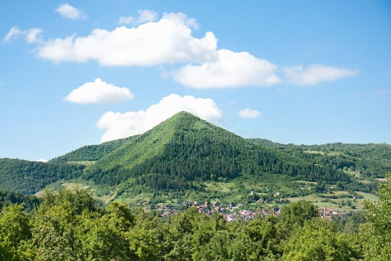 Piramidi bosniache, vicino alla città di Konjic fotografie stock
