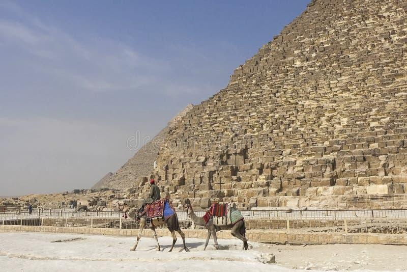 Piramidi di Giza Grandi piramidi dell'Egitto La settima meraviglia del mondo Megaliti antiche immagine stock libera da diritti