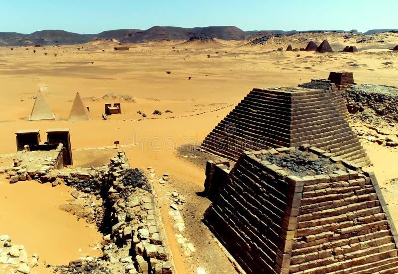 Piramidi nel Sudan fotografia stock