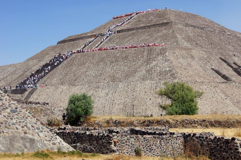 piramidsun royaltyfria foton