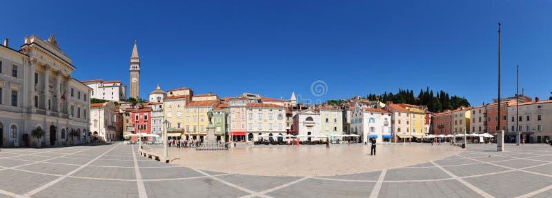 Piran - het vierkante panorama van Tartini stock foto's