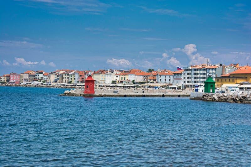 Piran, Slovenië Beeld van de Oude stad Piran en zijn haven - Beeld stock foto's