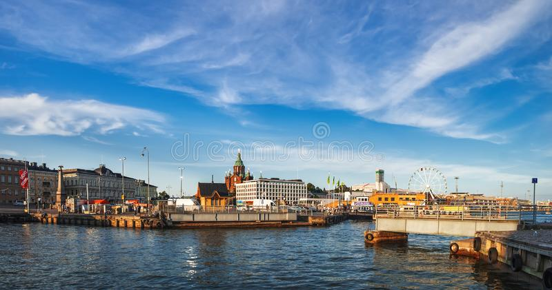 Pirarkitektur för gammal port i Helsingfors, Finland royaltyfria bilder