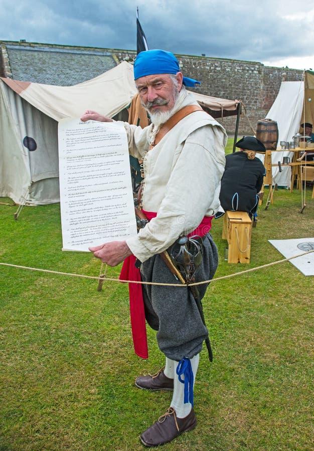 Pirat, der sich am Fort George anmeldet lizenzfreie stockbilder