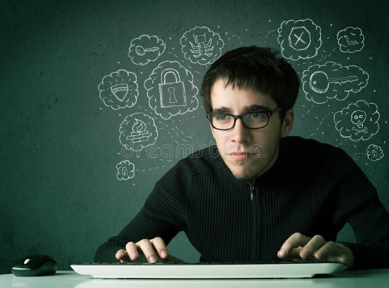 Pirata informático joven del empollón con el virus y pensamientos el cortar fotografía de archivo libre de regalías