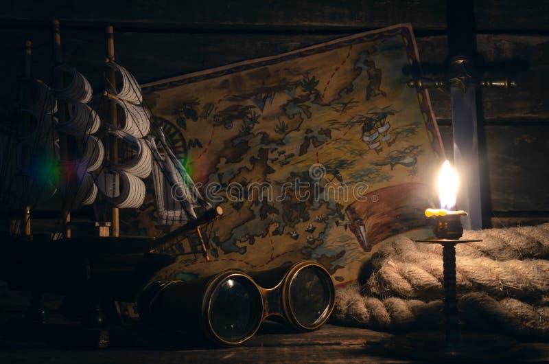 Pirata stół Skarbu polowanie Denny rabunek, podróży pojęcie obrazy stock