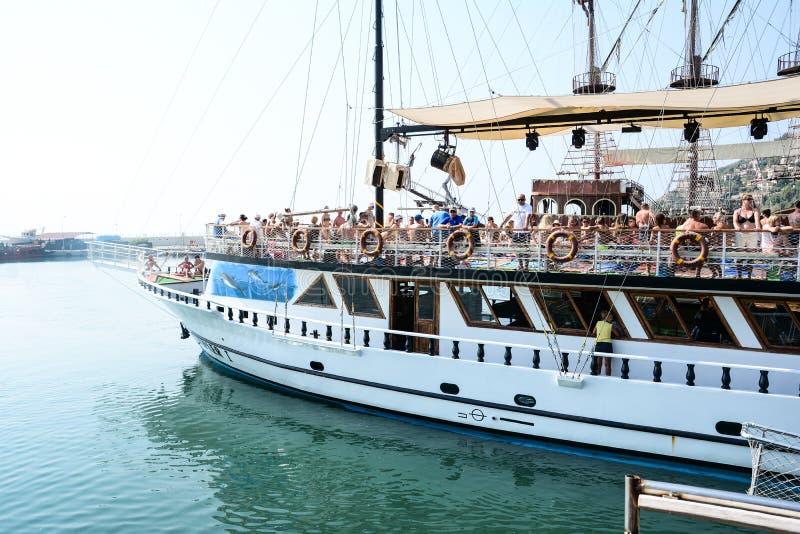 Pirata statek przy plażą Cleopatra fotografia royalty free