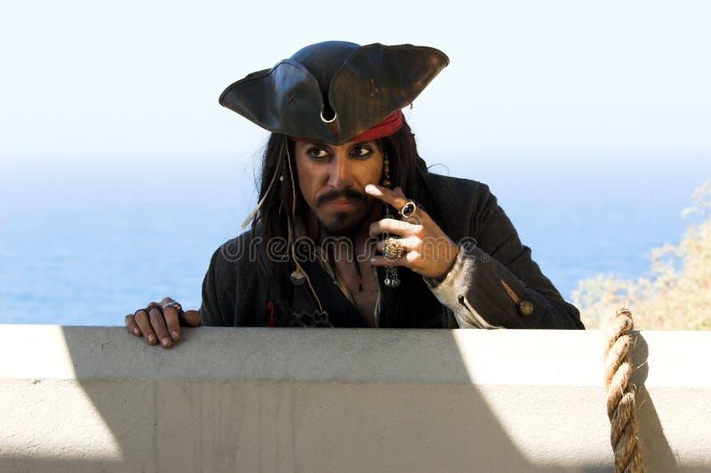Pirate pensant photos stock
