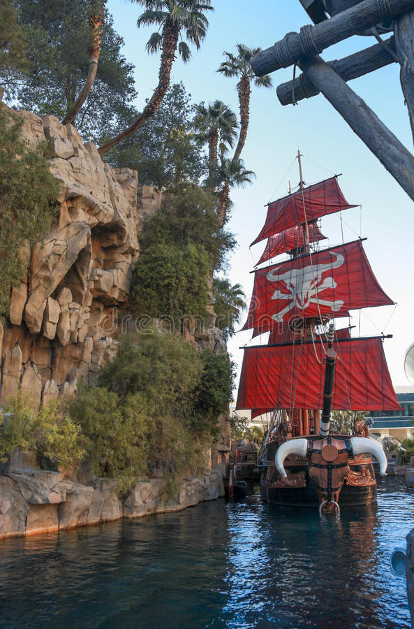 Pirate ship at pond near Treasure Island hotel royalty free stock images
